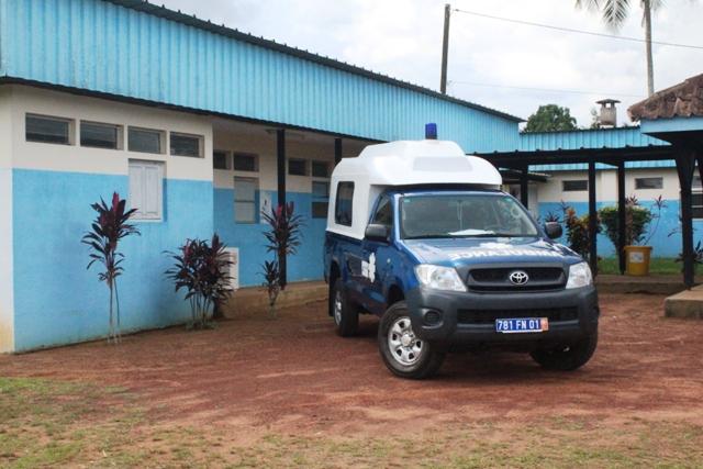 Centre de santé et ambulance pour assurer le transfert des malades