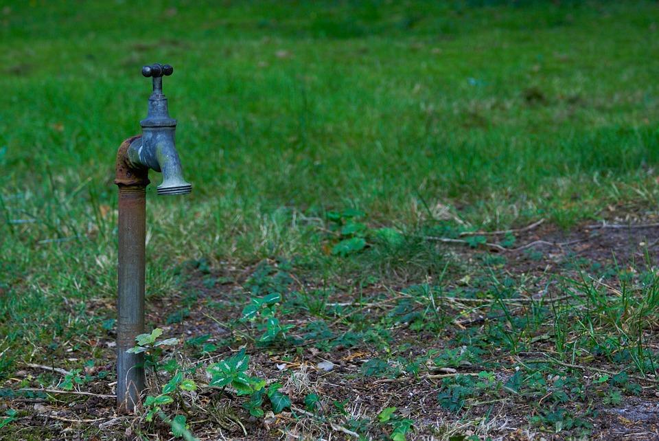faucet-516012_960_720